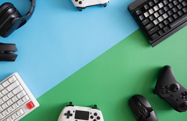 Вид сверху на игровое оборудование