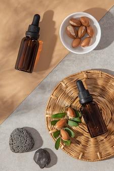 Disposizione vista dall'alto del prodotto per la cura dell'olio di argan