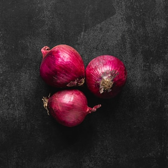 Top view arrangement of red onions