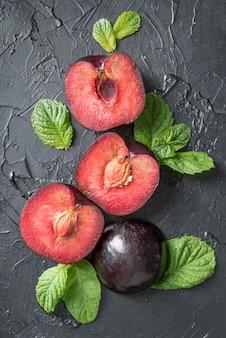 Top view arrangement of tasty plums