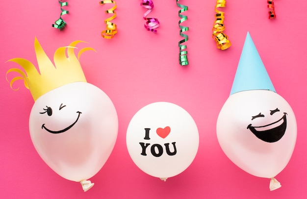 Top view arrangement with confetti and balloons