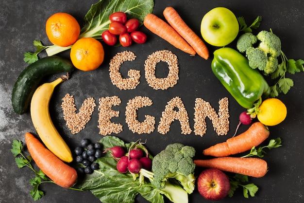 野菜と種子の上面図の配置 無料写真