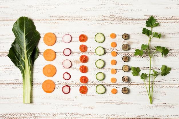 野菜とトップビューの配置