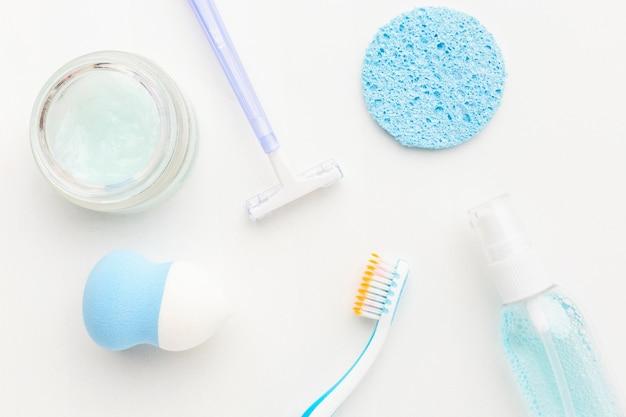 Vista dall'alto assortimento di prodotti cosmetici