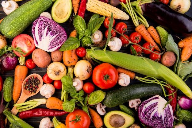 Вид сверху ассортимент разных овощей