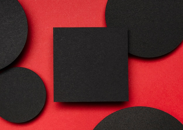 トップビューの黒い紙とドット