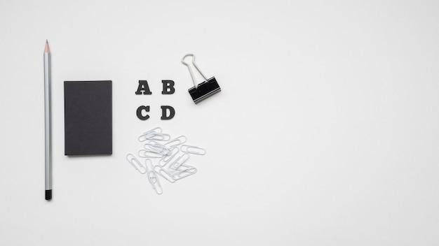 상위 뷰 검은 편지지 항목 복사 공간