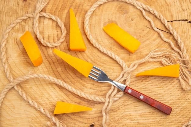 フォークのトップビューチーズ