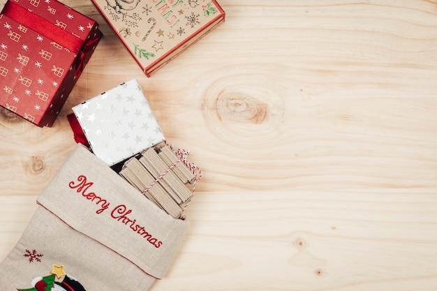 Верхнее украшение рождественских украшений с носком