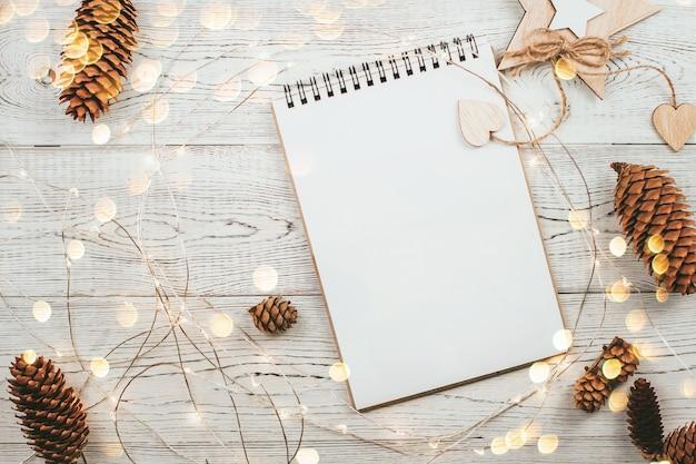 上面図クリスマスの装飾とノート