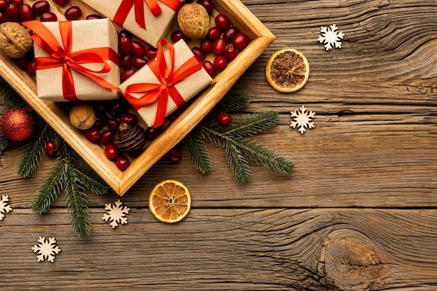 Вид сверху рождественские элементы с копией пространства