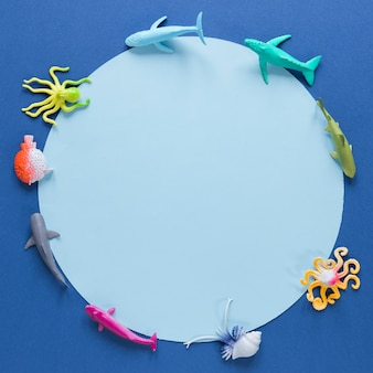 Top view of circle and fish figurines