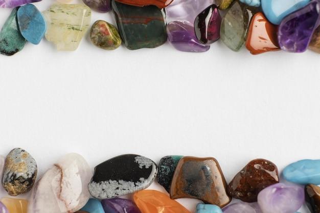 Вид сверху красочная небольшая коллекция камней