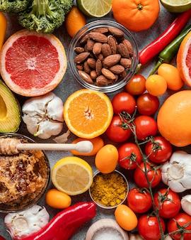 Вид сверху на состав здорового питания для повышения иммунитета