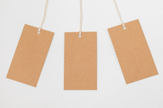 リサイクル可能な包装タグの上面構成