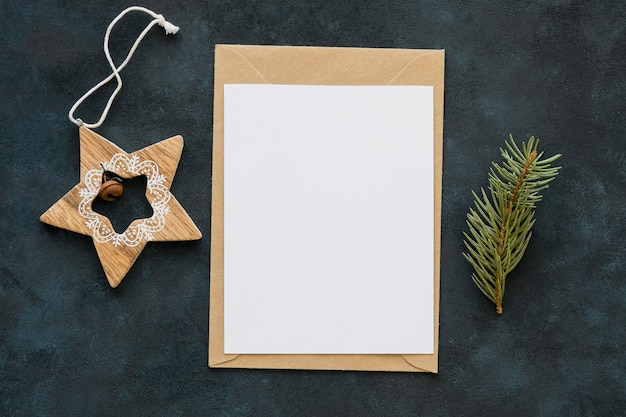 Carta e stella dello spazio della copia di vista superiore