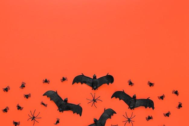 Вид сверху жутких летучих мышей хэллоуина с копией пространства