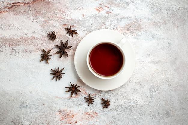 흰색 배경 차 음료 달콤한 아침 행사에 차 뜨거운 음료의 상위 뷰 컵
