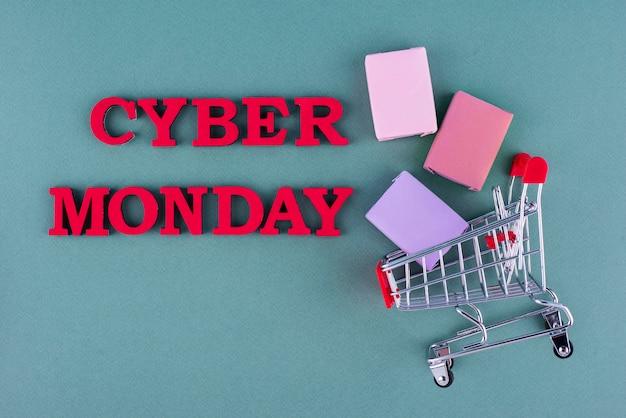 Vista dall'alto composizione del cyber lunedì