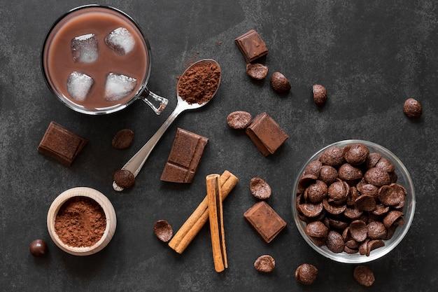 Vista dall'alto deliziosa composizione di cioccolato