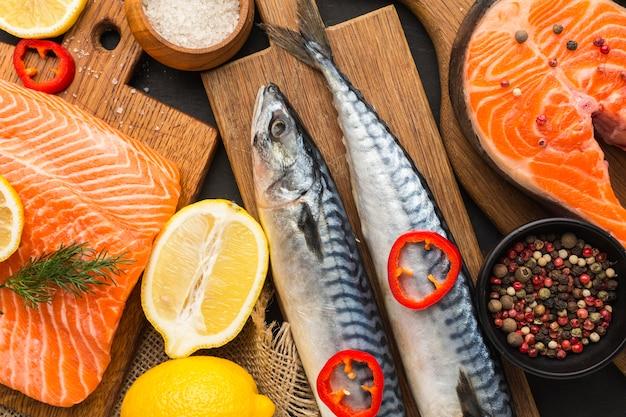 トップビュー美味しい魚のアレンジメント