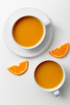 Vista dall'alto deliziosi frullati di arance