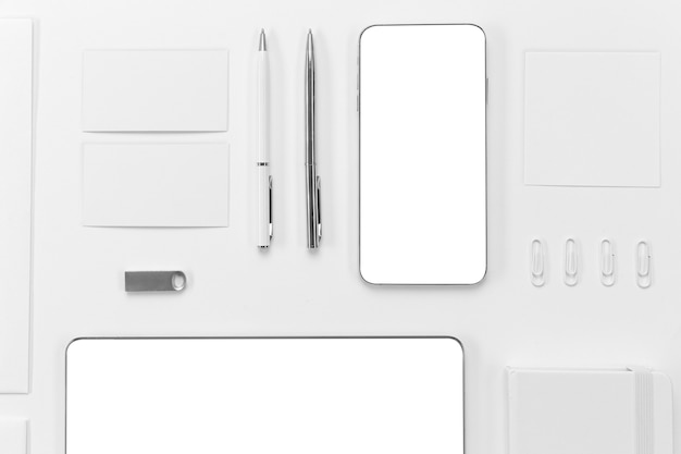 Top view devices and pens arrangement