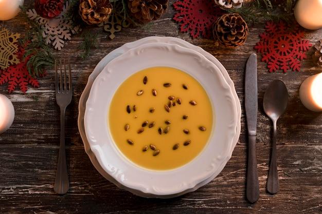 上面図お祝いのクリスマスの食事の構成