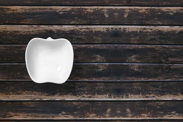 上面図食品セラミックプレート3dレンダリングは木製で分離