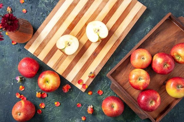 Vista dall'alto mele rosse fresche su sfondo grigio dieta vegetale insalata bere cibo pasto di frutta esotica