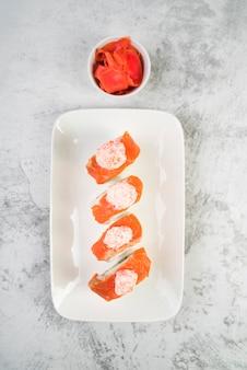 Sushi fresco vista dall'alto