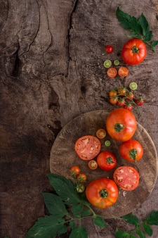 Top view fresh tomatoes arrangement