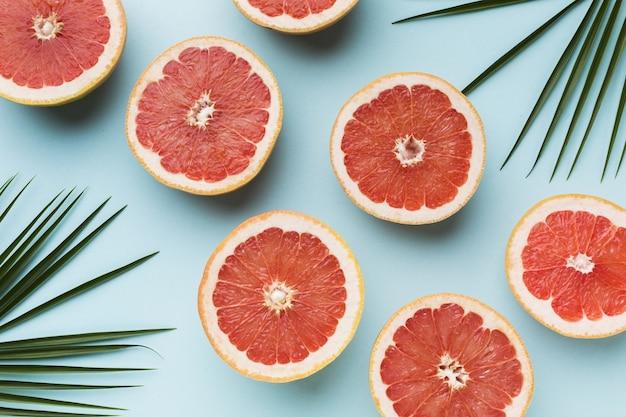 Top view of grapefruits with leaves