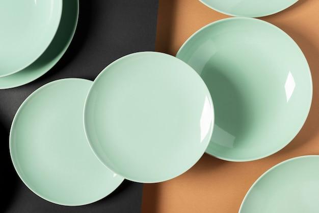 Расположение зеленых тарелок сверху