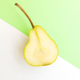 梨の半分の上面図