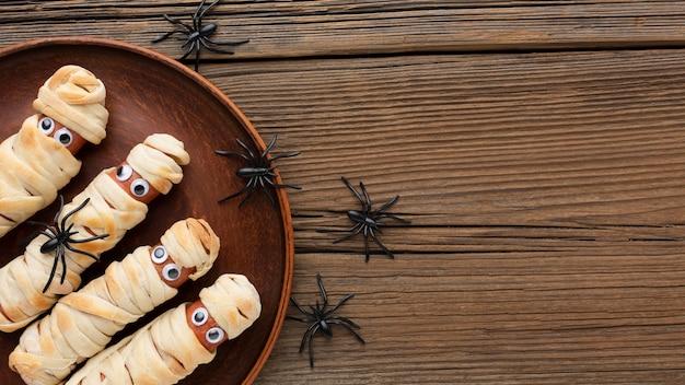 Vista dall'alto cibo di halloween con copia spazio