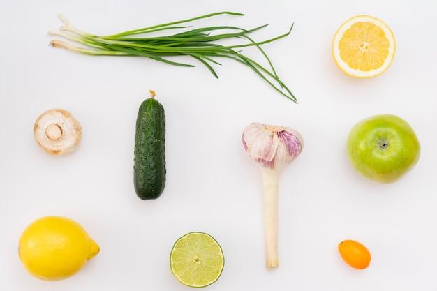 Vista dall'alto disposizione degli alimenti sani