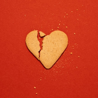 Biscotto a forma di cuore vista dall'alto