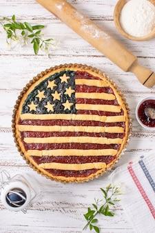 Вид сверху пирог в день независимости
