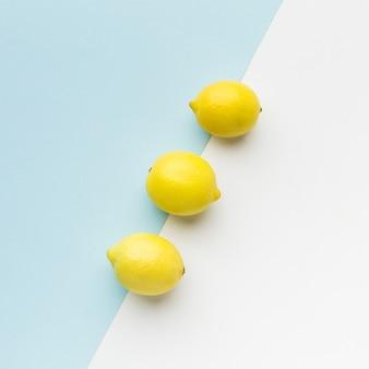 Vista dall'alto del concetto di limone con spazio di copia