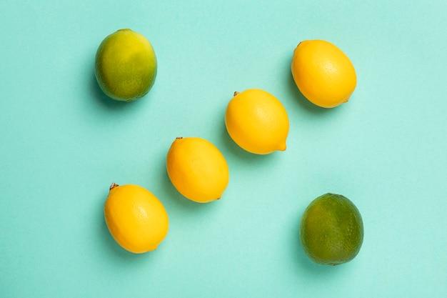トップビューライムとレモンのアレンジメント