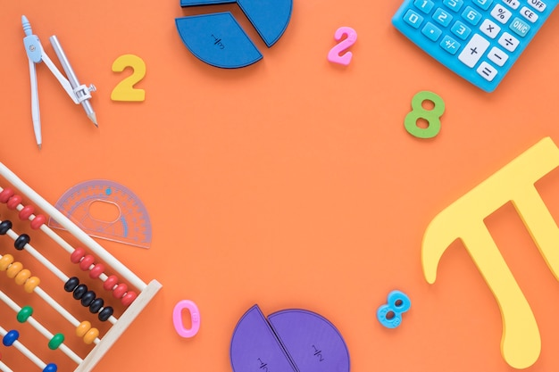 Вид сверху математики и науки пи символ с числами