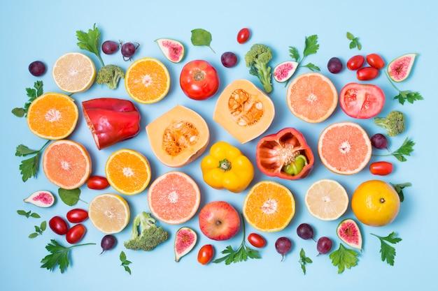 Vista dall'alto miscela di frutta e verdura