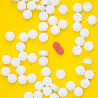 Vista dall'alto di più pillole