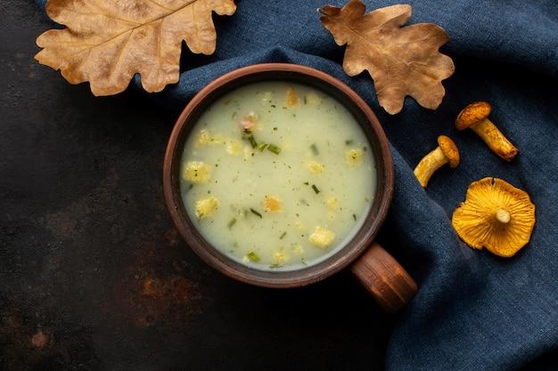 Грибной суп вид сверху