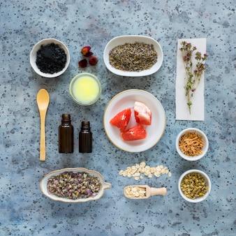 Vista dall'alto di medicine naturali
