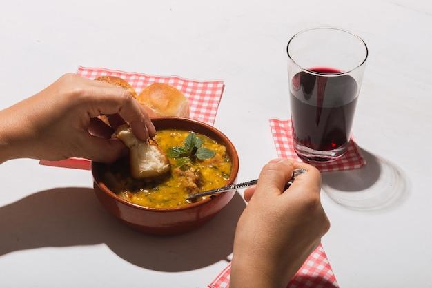 맛있는 전형적인 아르헨티나 요리의 최고 전망.
