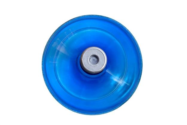 Вид сверху большой голубой бутылки воды на белой поверхности