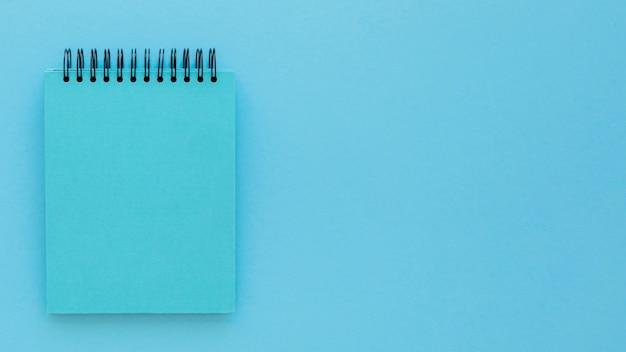 コピースペースと青い月曜日の概念の上面図