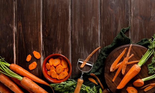 Вид сверху моркови с копией пространства